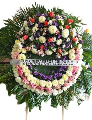 Love Tie Wreath